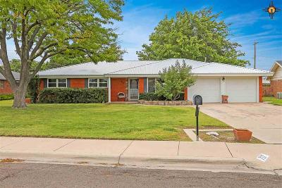 Hobbs Single Family Home Under Contract-Don't Show: 717 W Cielo