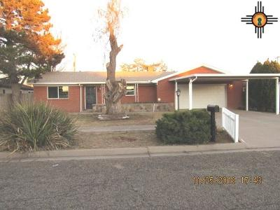 Clovis Single Family Home For Sale: 209 Merrill Dr