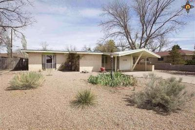 Portales Single Family Home For Sale: 2109 S Ave H
