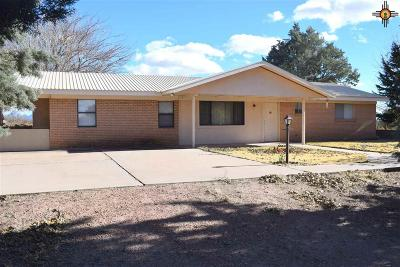 Deming Single Family Home For Sale: 6425 Maxim Dr SW