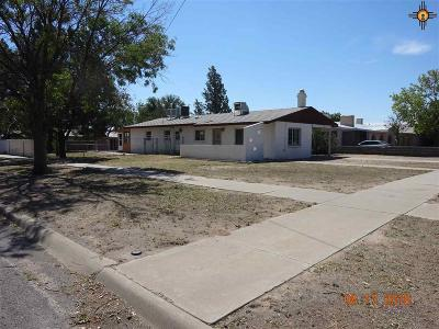 Deming Single Family Home For Sale: 1401 S Platinum