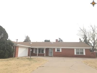 Clovis Single Family Home For Sale: 1421 E 21st