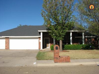 Clovis Single Family Home For Sale: 612 Jeanie Drive