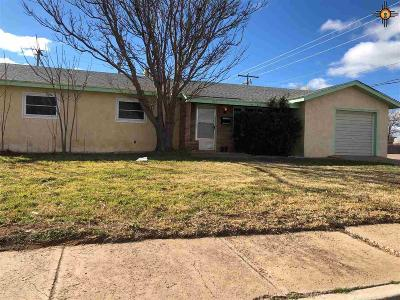 Clovis Single Family Home For Sale: 621 W Yucca