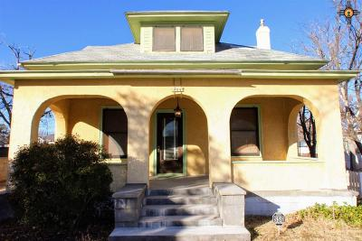 Roswell NM Single Family Home For Sale: $135,000
