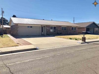 Hobbs Single Family Home Under Contract-Don't Show: 509 E Taos