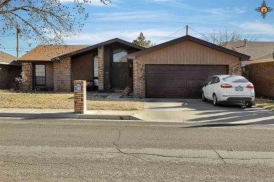 Hobbs Single Family Home Active With Contingency: 1509 W Cordoba Lane