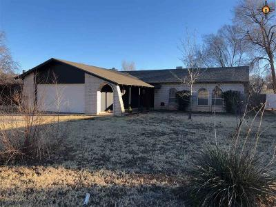 Clovis Single Family Home For Sale: 3719 Player Place