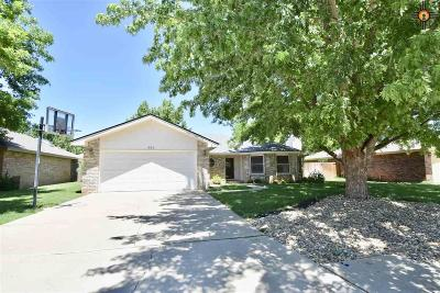 Clovis Single Family Home For Sale: 300 Rosewood