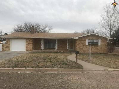 Portales Single Family Home For Sale: 2121 S Avenue H