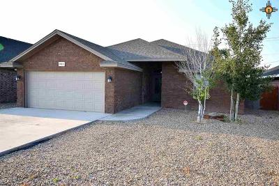 Portales Single Family Home For Sale: 1912 Dillon Wood Dr.