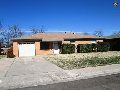 Hobbs Single Family Home Under Contract-Don't Show: 216 W Llano Dr.