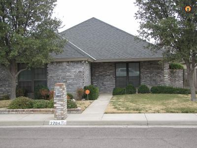 Hobbs Single Family Home Under Contract-Don't Show: 2704 N Gold Ct.