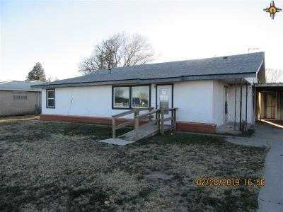 Lovington Single Family Home Under Contract-Don't Show: 1522 N Commercial Ave