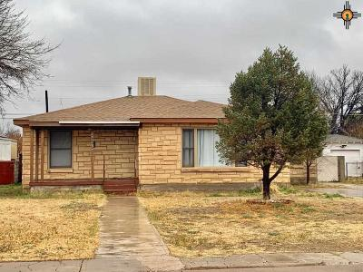 Hobbs Single Family Home Under Contract-Don't Show: 606 E Yucca