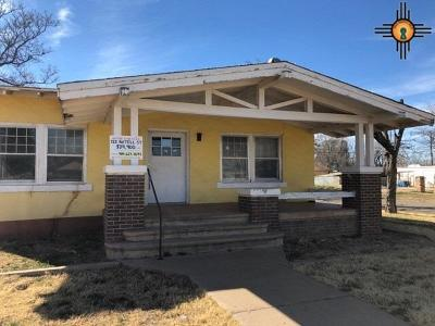 Clovis Single Family Home Under Contract-Don't Show: 722 Axtell St