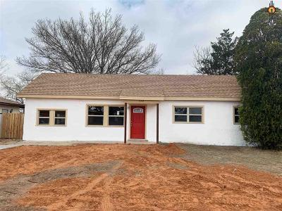 Portales Single Family Home For Sale: 220 New Mexico Dr