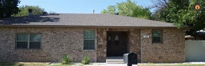 Portales Single Family Home For Sale: 105 E 16th St