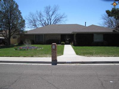 Hobbs Single Family Home Under Contract-Don't Show: 339 W Wolfcamp