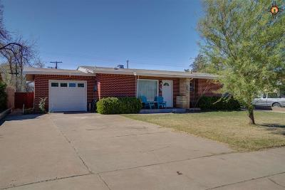 Hobbs Single Family Home Under Contract-Don't Show: 813 E Lincoln
