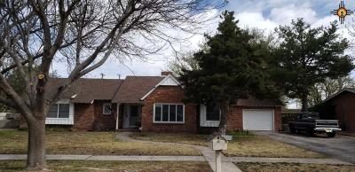 Lovington Single Family Home Under Contract-Don't Show: 910 W Ave J