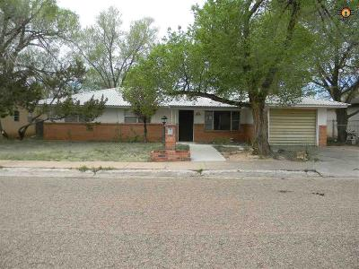 Clovis Single Family Home For Sale: 120 Yale