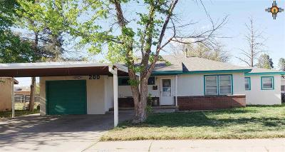 Clovis Single Family Home For Sale: 200 W Plains