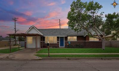 Lovington Single Family Home Under Contract-Don't Show: 1307 W Cottonwood