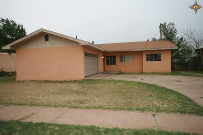 Clovis Single Family Home For Sale: 2905 Virginia