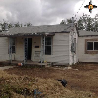 Carlsbad Single Family Home For Sale: 2311 Washington
