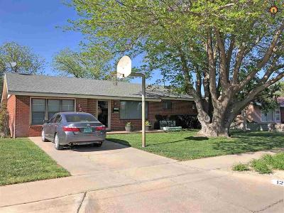 Lovington Single Family Home Under Contract-Don't Show: 1212 W Avenue M
