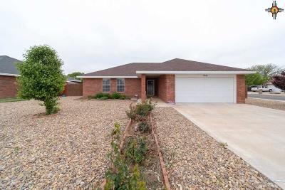 Clovis Single Family Home For Sale: 2241 Enloe Dr