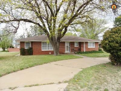 Farwell Single Family Home For Sale: 806 3rd St