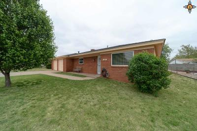 Clovis Single Family Home Under Contract-Don't Show: 220 Rosa