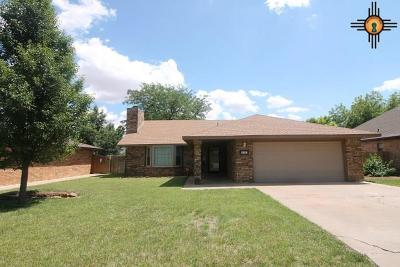 Single Family Home For Sale: 813 Rosewood