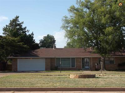 Clovis Single Family Home For Sale: 1420 E 21st