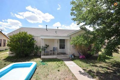 Portales Single Family Home For Sale: 1420 S Ave B.