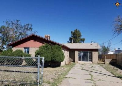 Single Family Home For Auction: 316 W Chopes Street