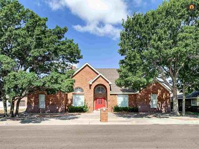 Hobbs Single Family Home For Sale: 28 Regency Square