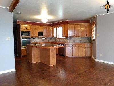 Portales Single Family Home For Sale: 490 Nm 88