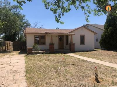 Portales Single Family Home For Sale: 404 S Ave F