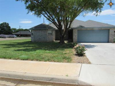 Single Family Home For Sale: 3113 Cheyenne