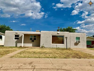 Clovis Single Family Home For Sale: 101 E Plaza