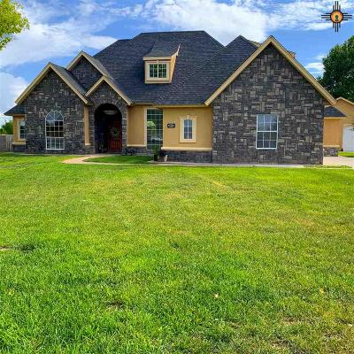 Artesia Single Family Home For Sale: 1505 Walnut Lane