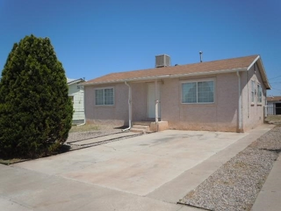 Alamogordo Single Family Home Uc Taking Backup Offers: 809 Third St