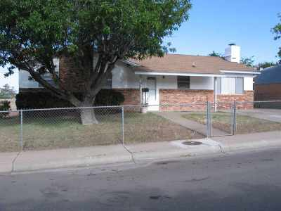 Alamogordo Single Family Home For Sale: 2501 Yale Av