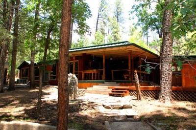 Single Family Home For Sale: 110 Bear Creek Trl