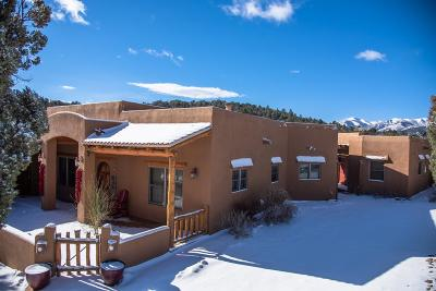 Single Family Home For Sale: 190 Placitas Dr #2