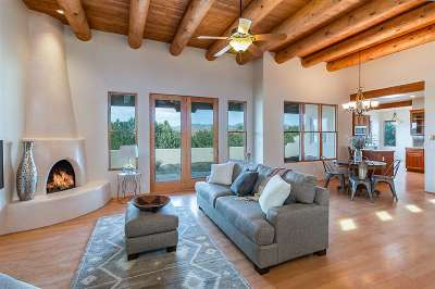 Santa Fe NM Single Family Home For Sale: $449,000