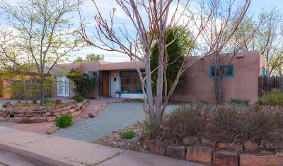 Santa Fe NM Single Family Home For Sale: $325,000